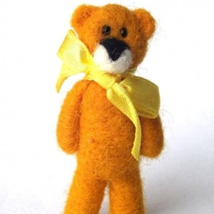 Bear brooch-Yellow
