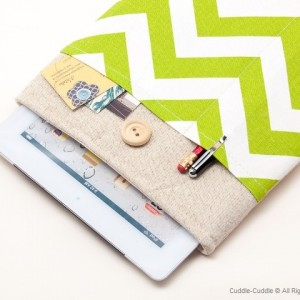 Linen iPad case-Green ornament1