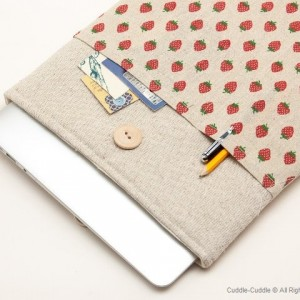 MacBook linen case-Sweet strawberry1