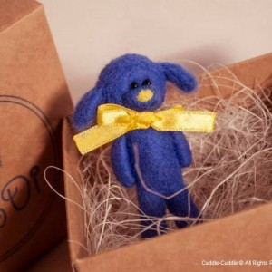 Puppy felt brooch-Blue3