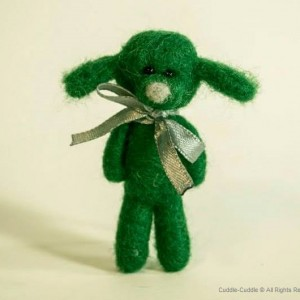 Puppy felt brooch-Green2