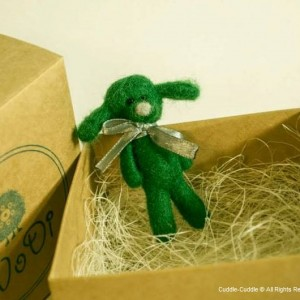 Puppy felt brooch-Green3