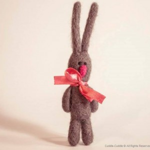 Rabbit brooch-Gray2